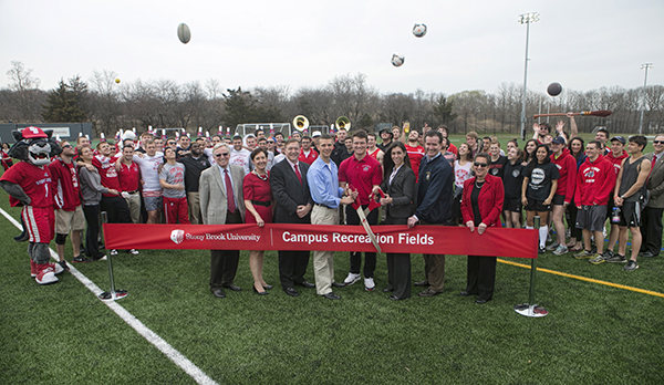 Ribbon cutting campusrecfields 600