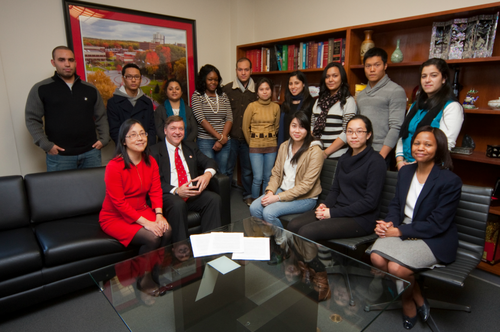 Stony Brook University President Samuel L. Stanley Jr., M.D. and his wife, Ellen Li, M.D., Ph.D., meet with a group of current Stony Brook University EOP/AIM students to tell them about the new scholarship endowment they have created to support EOP-graduates who are aspiring physician-scientists to continue their education in the School of Medicine at Stony Brook. Standing (left to right): Robinson Collado (EOP student and tutor), Lobsang Lobsang, Yogeeta Mangal, Deborah Akinbowale, Kirolos Abdel-Sayed (EOP student and tutor), Guadalupe Gutierrez, Melissa Espinal, Xin Yu Wang (EOP student and tutor), Sudley Perez; seated (left to right): Dr. Ellen Li, Dr. Samuel Stanley, Sandy Hu, Amy Lin, and Stony Brook University EOP/AIM Director, Cheryl Hamilton.