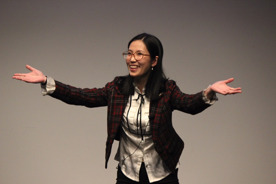 Yi Zheng, first-place winner of the 2018 3MT competition and a PhD candidate in Psychology, talks about our ability to process language and accents (photo by Taylor Ha)