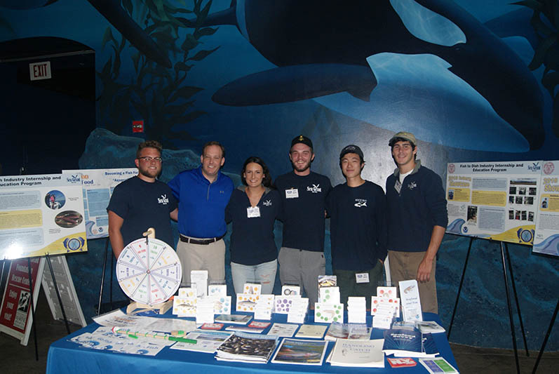 "Congressman Lee Zeldin met with the ""Fish-to-Dish"" interns at the Long Island Aquarium in Riverhead."