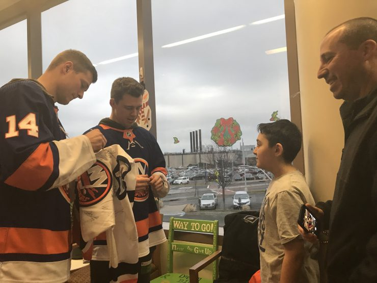 Ny islanders visit stony brooks cancer center
