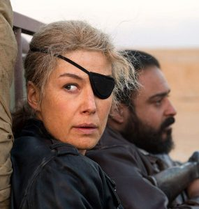 Journalist Marie Colvin in 'A Private War' © Aviron Pictures