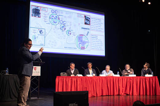 Dr. Eden Figueroa, one of the leading Stony Brook faculty in QIS, presented a talk.
