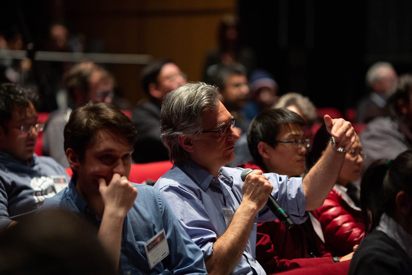 Vigorous participation by the audience resulted in many stimulating questions.