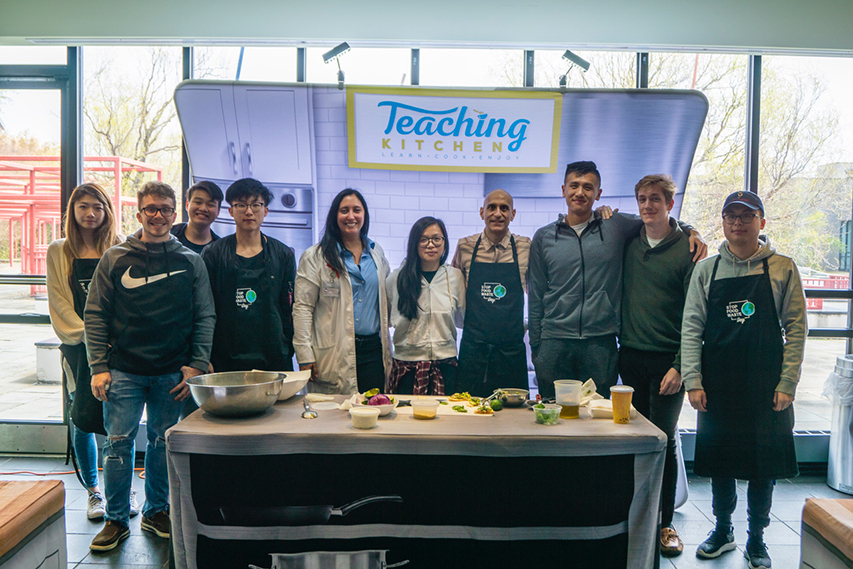 On the morning of the dinner, Mehta led a Teaching Kitchen, where students learned how to cook eco-friendly recipes.