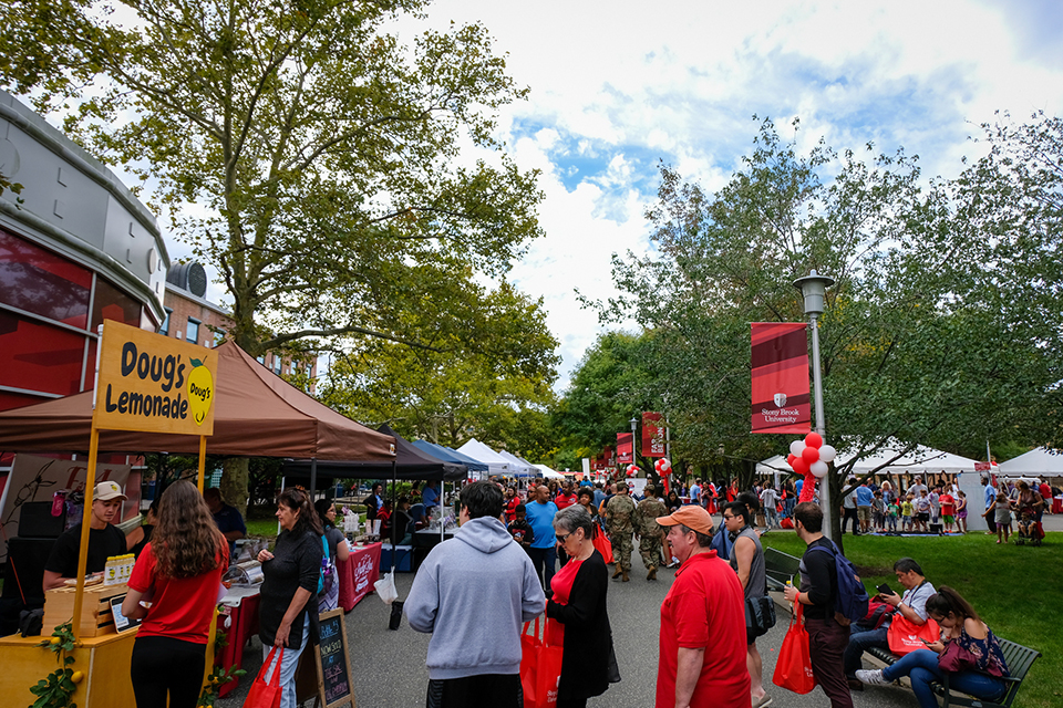 Come join the fun at CommUniversity Day on September 21 and find out more about what Stony Brook University has to offer.