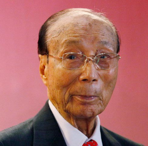 Sir Run Run Shaw (photo by Kin Cheung/AP)