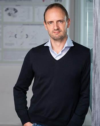 Jeroen B. Smaers