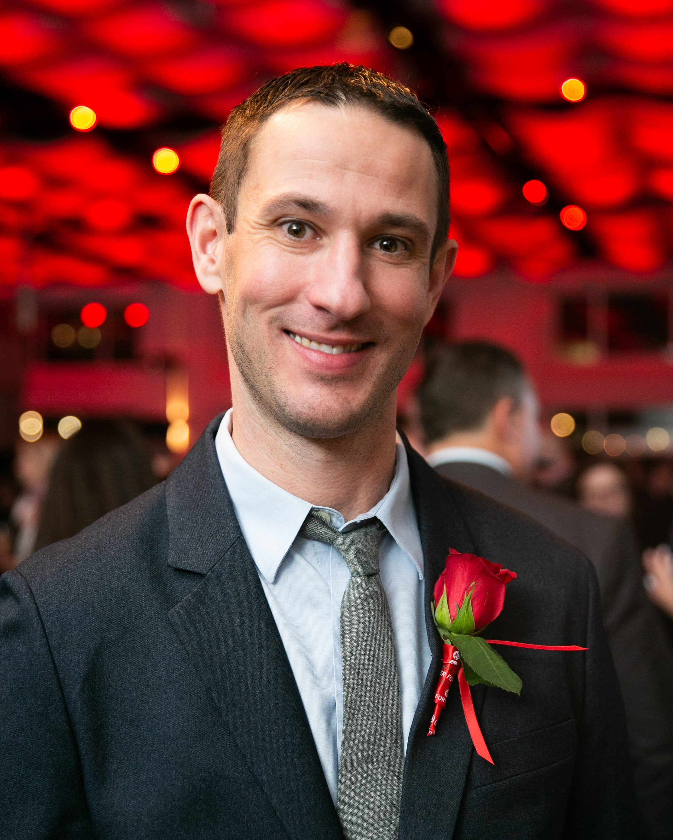 Christopher am Ende '08, '13: From the Labs at Stony Brook to Associate Research Fellow at Pfizer