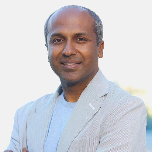 Journalism Speaker Series Kicks Off with Digital Expert Sree Sreenivasan