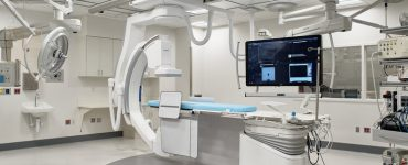 The Philips Azurion 7 provides imaging capabilities at ultra-low radiation dose levels — allowing physicians to conduct more complex procedures with greater precision and adding a significant measure of safety for both the patients and medical team.