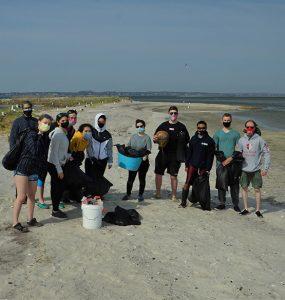 Beach cleanup1