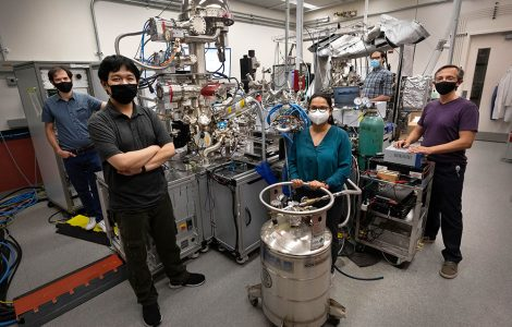 (Left to right) Anibal Boscoboinik, Yixin Xu, Shruti Sharma, Alejandro Boscoboinik, and Dario Stacchiola with the ambient-pressure x-ray photoelectron spectroscopy (AP-XPS) instrument at the Center for Functional Nanomaterials. The team used this lab-based AP-XPS instrument to characterize silica (silicon and oxygen) nanocages deposited on thin films of ruthenium metal and to test treatments designed to activate the samples for noble gas trapping. Then, using the synchrotron-based AP-XPS instrument at the National Synchrotron Light Source II, they performed experiments to see whether the nanocages would effectively trap xenon. Team members not pictured: Matheus Dorneles de Mello, Chen Zhou, Burcu Karagoz, Ashley Head, Zubin Darbari, Iradwikanari Waluyo, Adrian Hunt, Sergio Manzi, and Victor Pereyra.